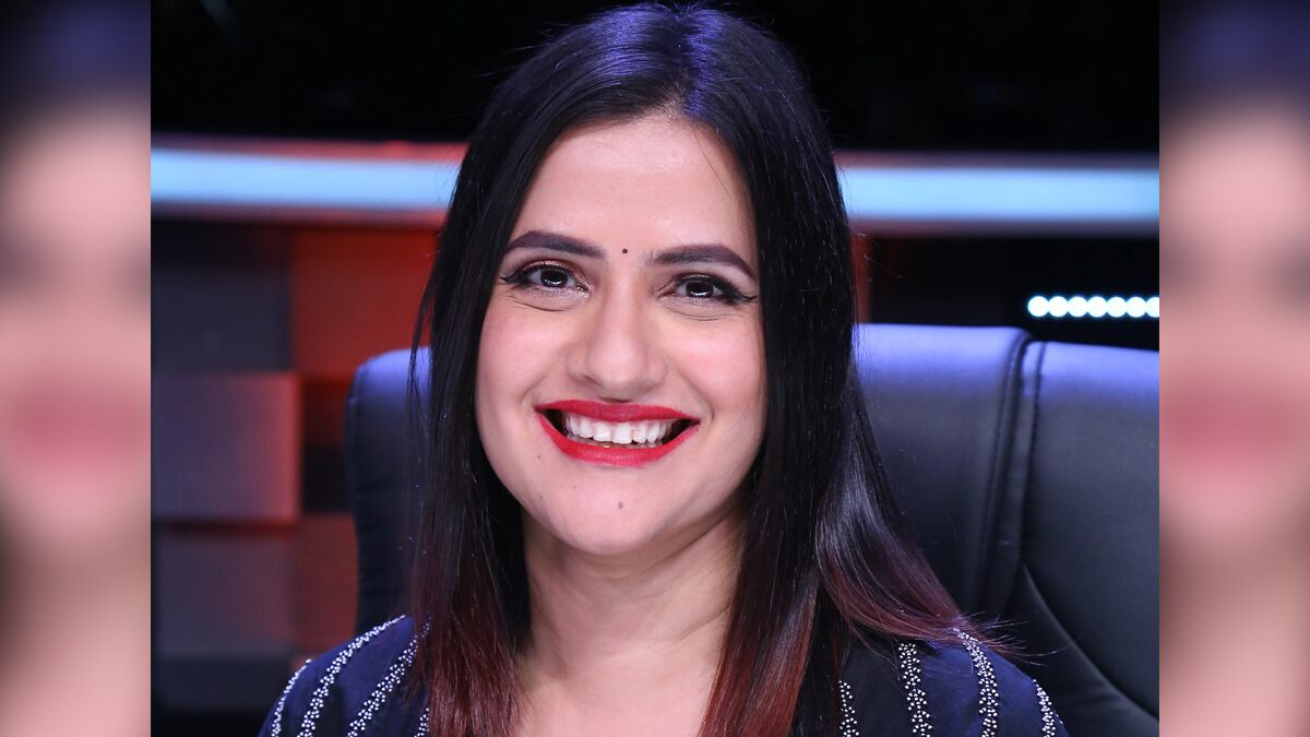 Sona Mohapatra was Asked 'Why all Feminists Have to Show Cleavage in Order to Compete With Men', Her Classic Reply Will Win You Over
