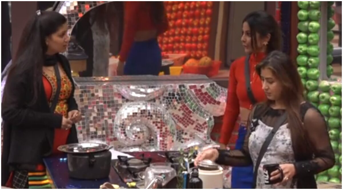 Throwback: When Hina Khan And Shilpa Shinde Explained What Is Condom To Sapna Chaudhary On Bigg Boss (Watch Video)