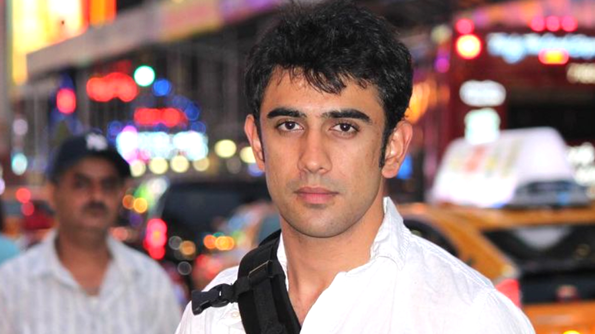 Amit Sadh Shares Decade Old Picture of Himself to Express Gratitude