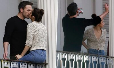 Ben Affleck and Girlfriend Ana De Armas Indulge in PDA on Deep Water Sets at New Orleans (See Pics)