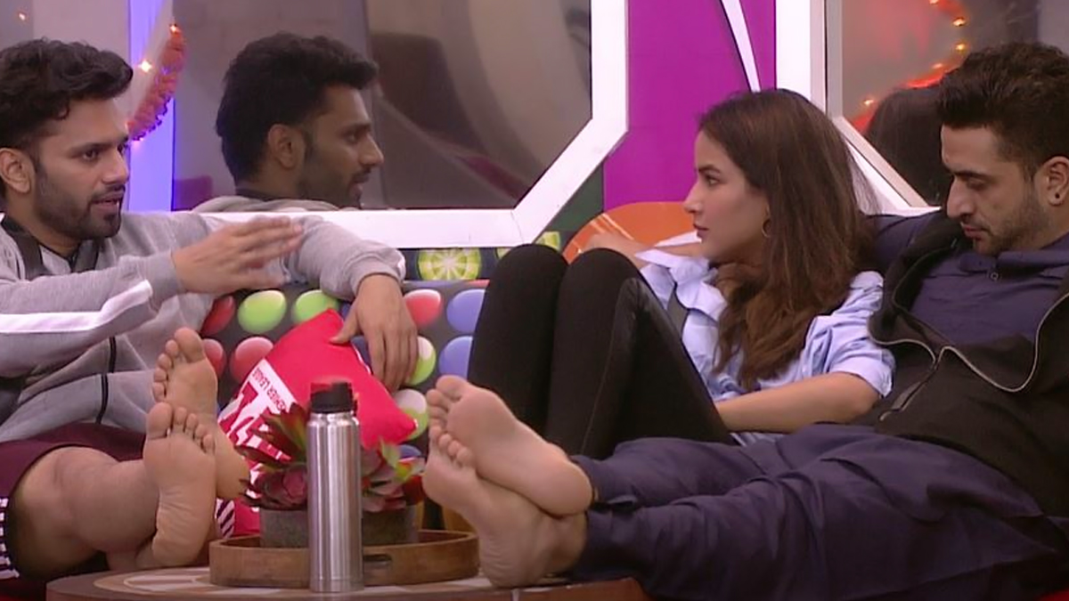 Bigg Boss 14: Jasmin Bhasin Had the Perfect Reply For Rahul Vaidya, When He Stated that She Was 'Playing Safe' in the House