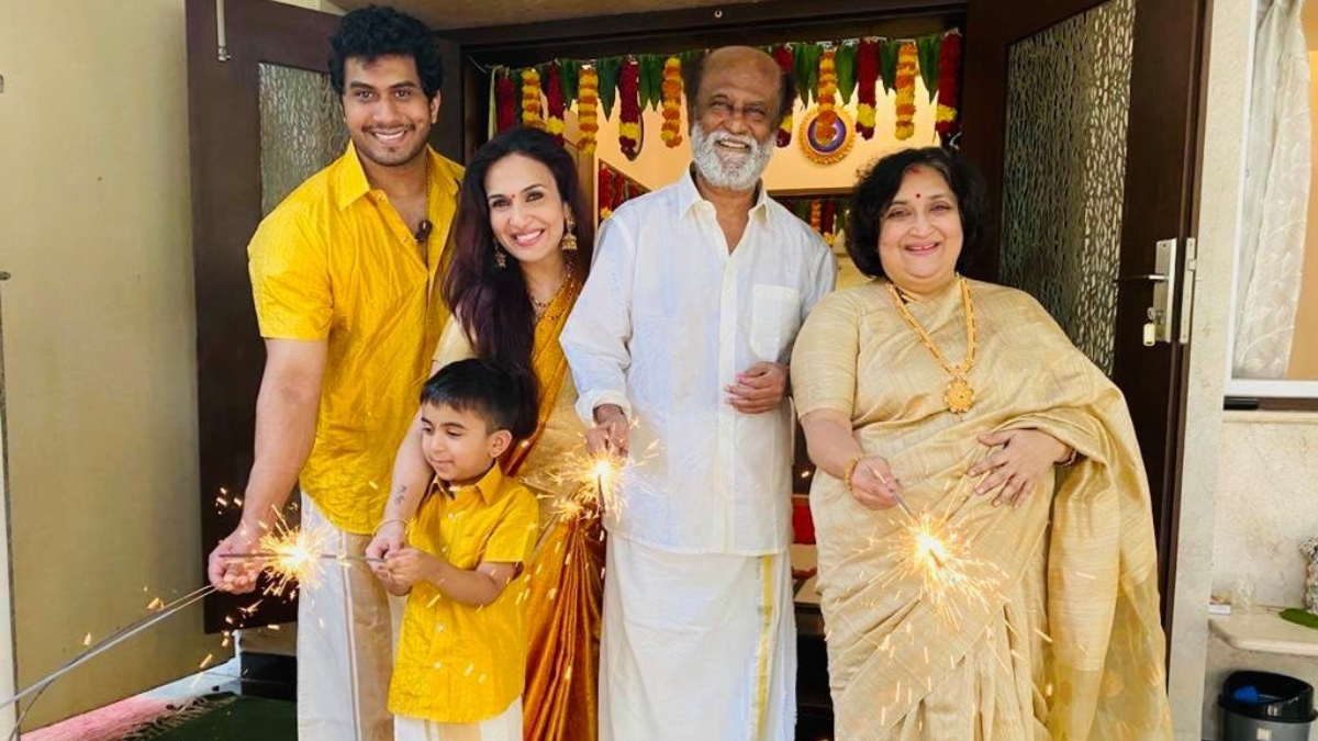Diwali 2020: Rajinikanth's Happy Pictures from the Festival with His Family Are Bound to Warm Your Hearts!