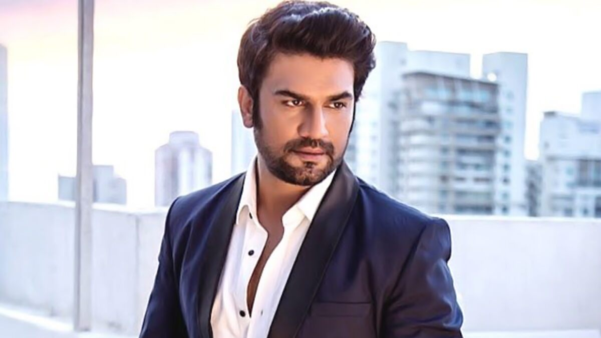 Laxmii Star Sharad Kelkar Reveals First Big Paycheque Amount He Got for a Promo Shoot