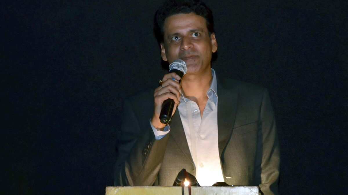 Manoj Bajpayee Warn Fans About a Fake Twitter Account Being Run on His Name