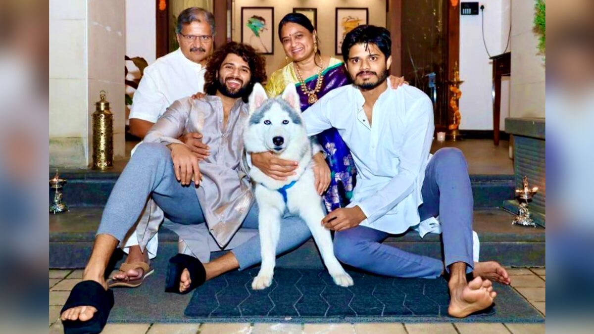 Vijay Deverakonda Shares A Perfect Family Picture On The Festive Occasion! South Hunk Says, 'I Had A Mad Good Diwali'