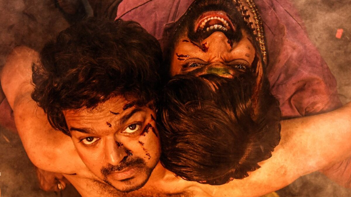 Master Poster: Thalapathy Vijay and Vijay Sethupathi Look Gritty As They Fight It Out in an Intense Action Sequence!