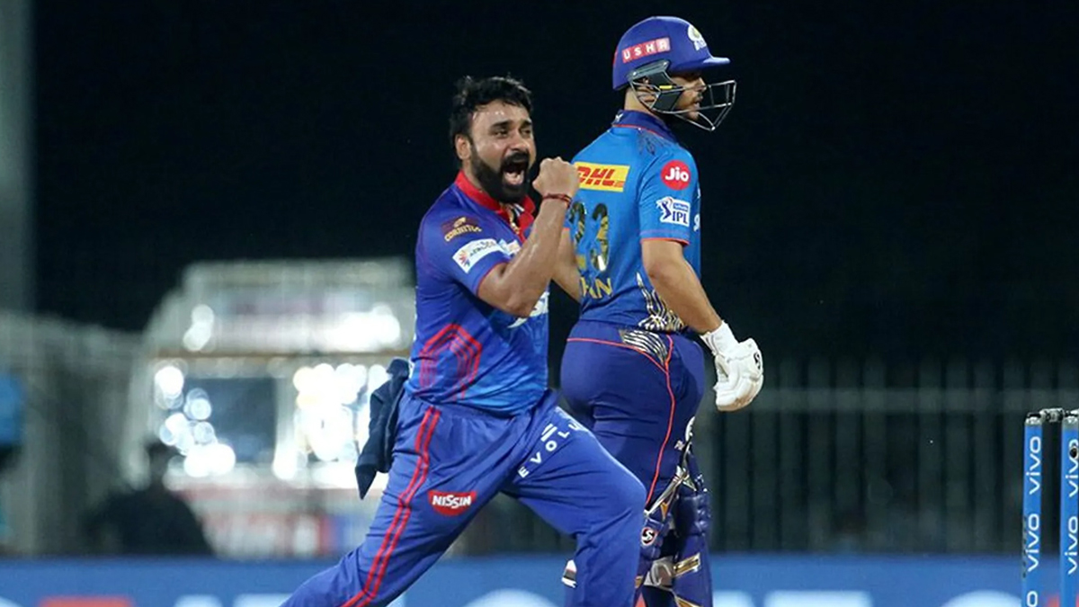 Amit Mishra Dismisses Rohit Sharma 7th Time in IPL, Removes Mumbai Indians Captain During DC vs MI Matc